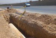 لوله گذاری خط انتقال آب توسط ذوب آهن در نزدیک جاده